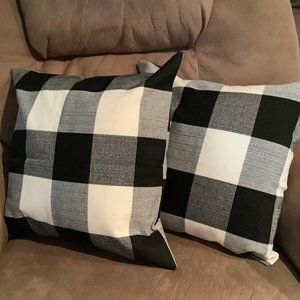 ♥️(Lot of 2) Checkerboard Accent Pillows
